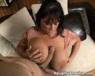 big tits /חזה גדול